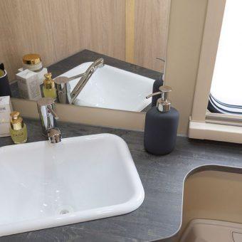 Happy 397 2019 baño