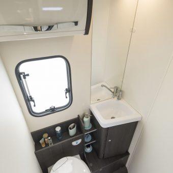 roller team kronos ford 284TL 2019 baño